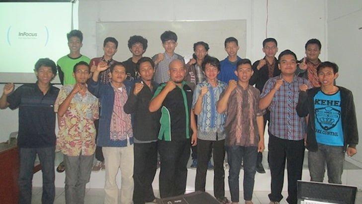 Foto Bareng Pemateri dan Para Peserta Pelatihan Blog Fakultas Pertanian UNTAN 2015