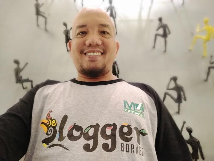 Blogger Borneo Selfie at Pullman Hotel Central Park Jakarta
