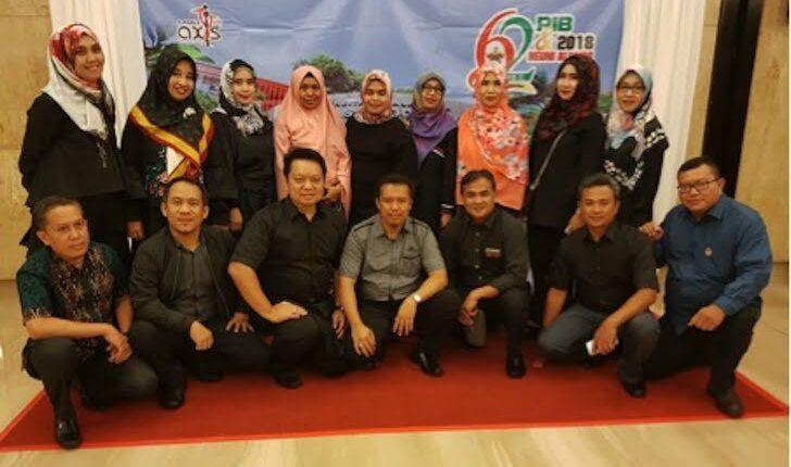 Foto Bersama Para Alumni Kedokteran UNHAS Makassar