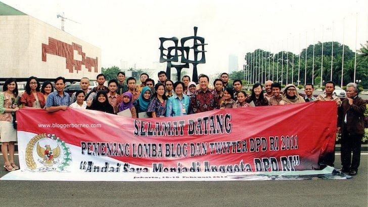 Foto Bareng Finalis Lomba Blog dan Twitter DPD RI 2011