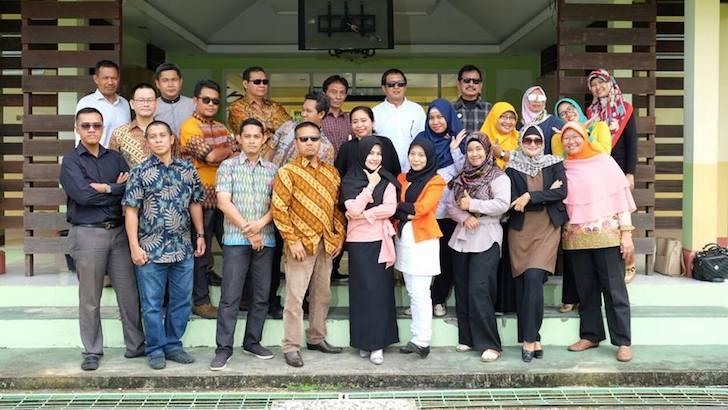 Dosen Fakultas Ekonomi dan Bisnis Universitas Tanjungpura