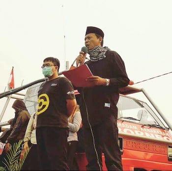 Beni Sulastiyo Founder MASKERAN sedang Memberikan Orasi