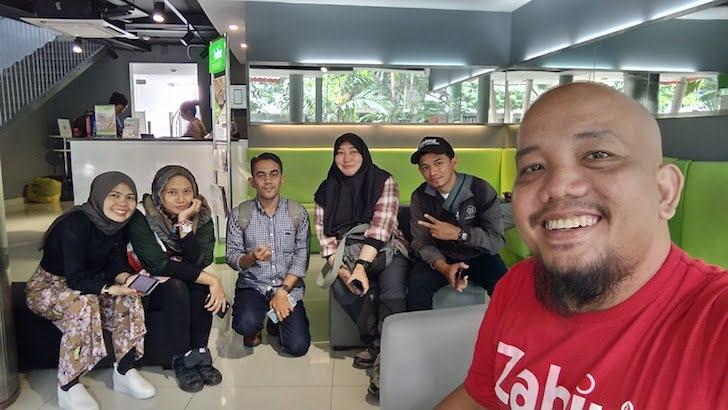 Wefie Rombongan Blogger Swift Inn Aeropolis Tangerang