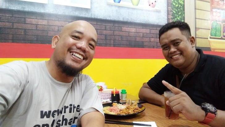 Blogger Borneo Bersama Owner Bakmie Bogita Singkawang