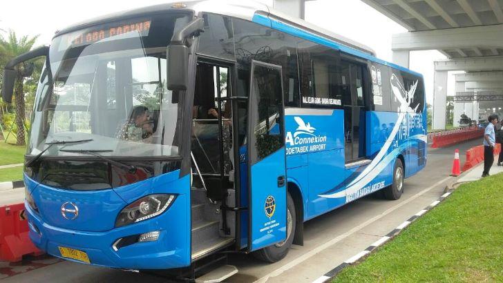 Bus Damri Bandara Soekarno Hatta