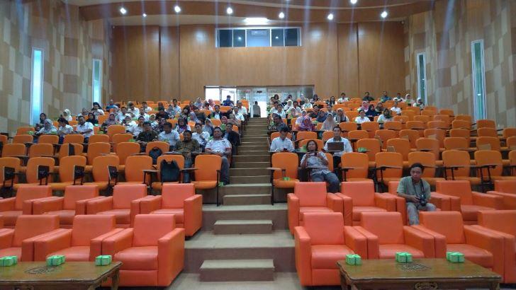 Peserta Undangan Kegiatan Sosialisasi Gerakan Dosen Ngeblog UNTAN